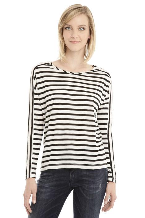 T-shirt con ampio giromanica Fashion Market