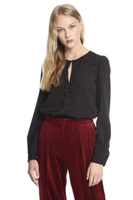 Blusa con cut-out Fashion Market