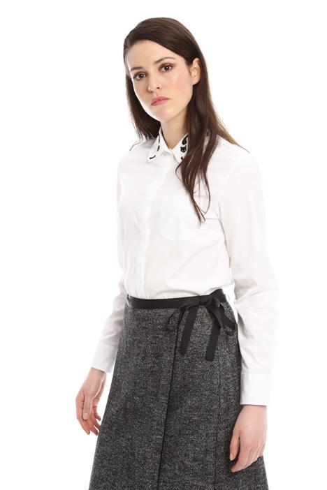 Camicia con colletto ricamato Fashion Market