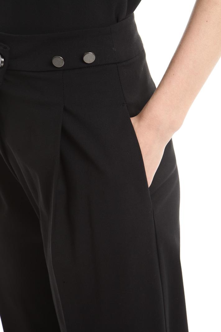Pantaloni con pieghe Fashion Market