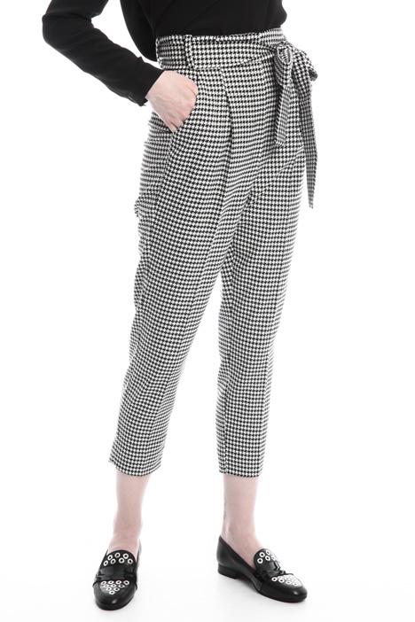 Pantaloni a carota con cintura Fashion Market
