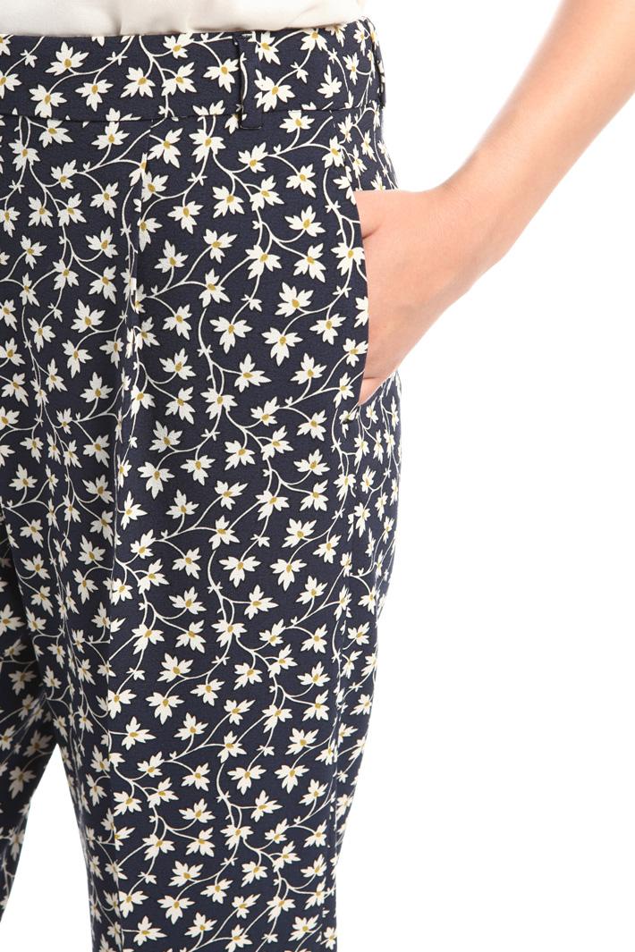 Pantaloni a sigaretta stampati Fashion Market