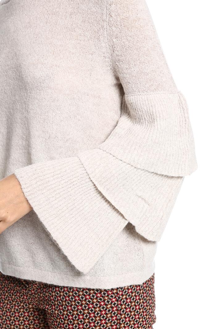 Maglia con maniche a balze Fashion Market