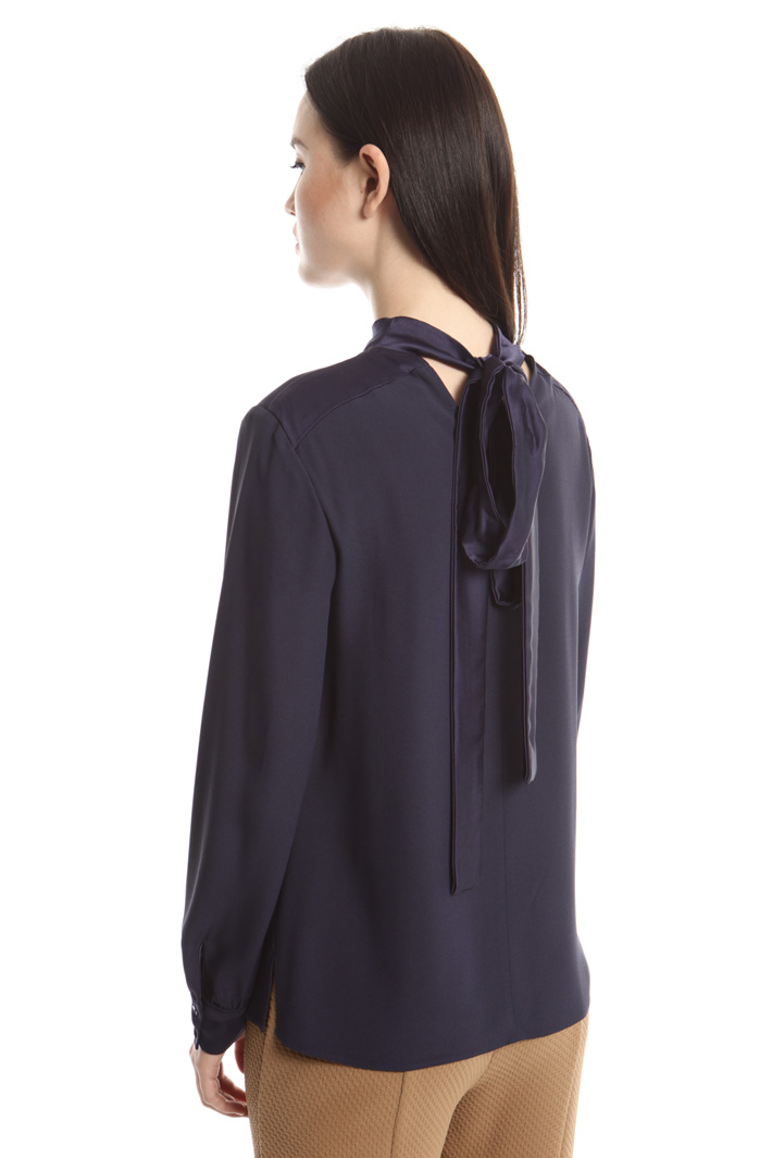 Blusa in crepe enver satin Fashion Market