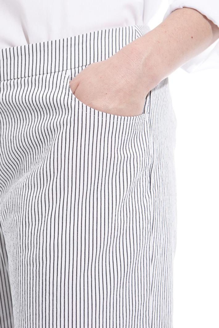 Pantaloni in tessuto goffrato Fashion Market