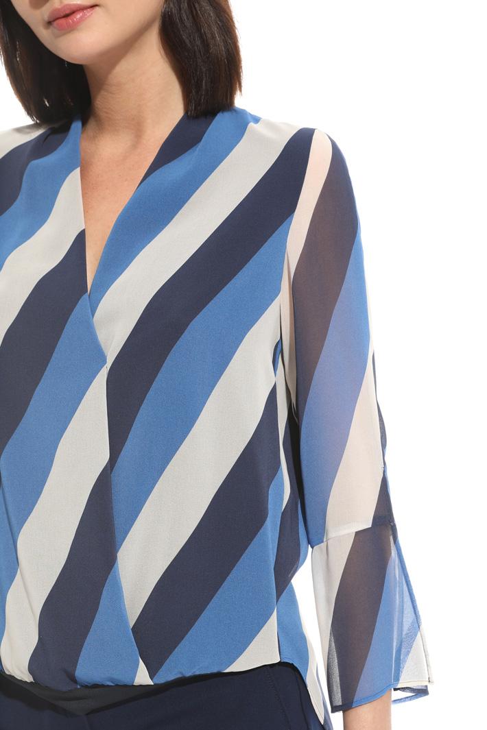Blusa con pannelli sovrapposti Fashion Market