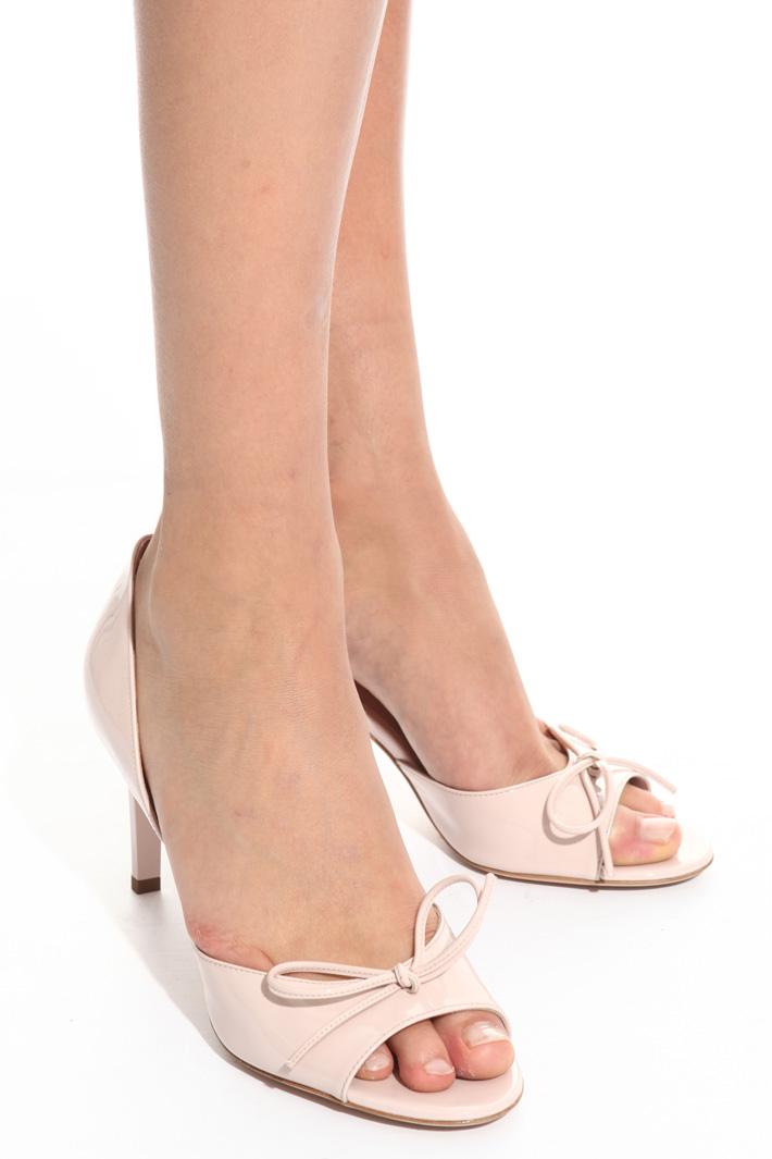 Sandalo in pelle verniciata Fashion Market
