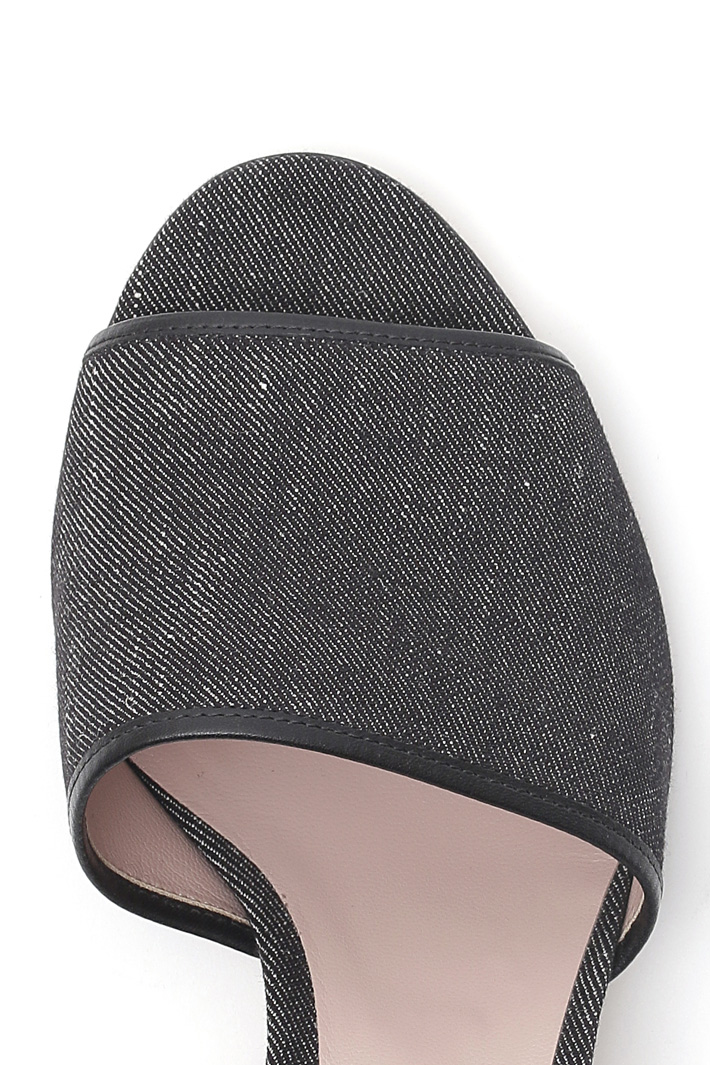 Sandalo con tacco trasparente Fashion Market