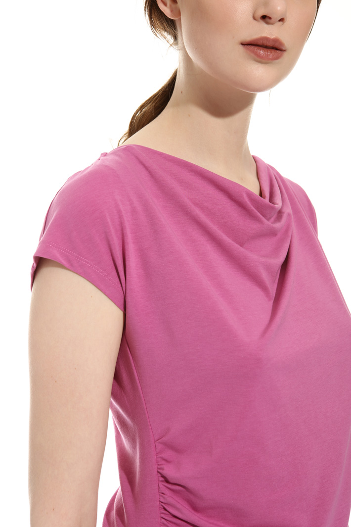 T-shirt con scollo morbido Fashion Market