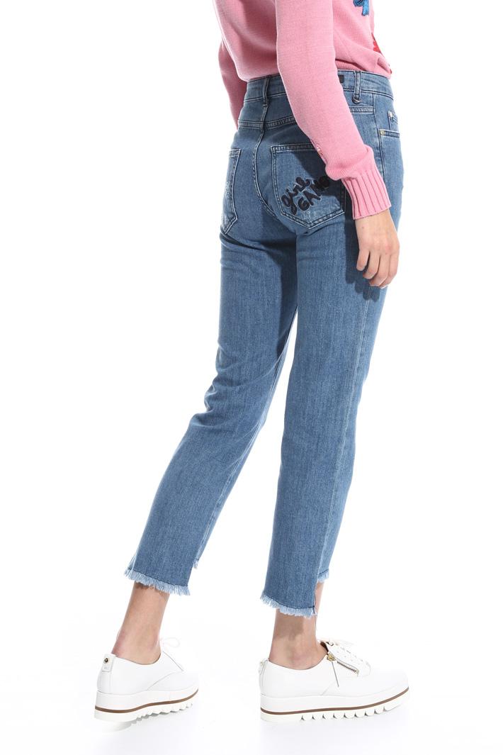 Jeans con fondo sfrangiato Fashion Market