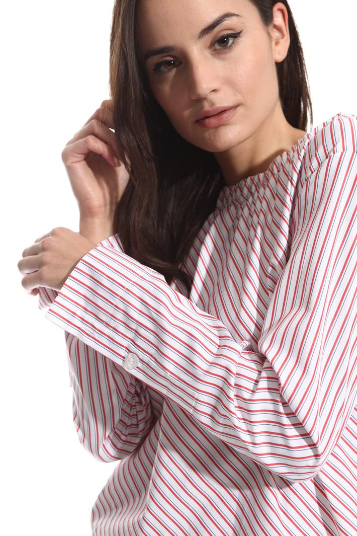 Blusa con scollo arricciato Fashion Market