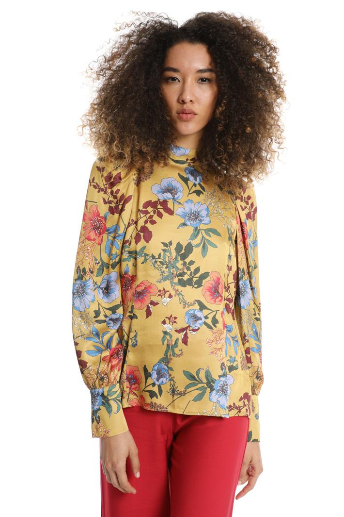 Blusa con maniche a sbuffo Fashion Market