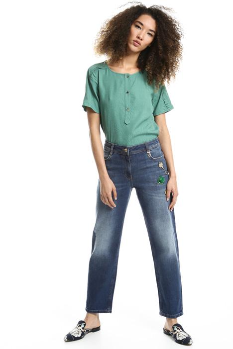 Jeans con patch decorativi Fashion Market